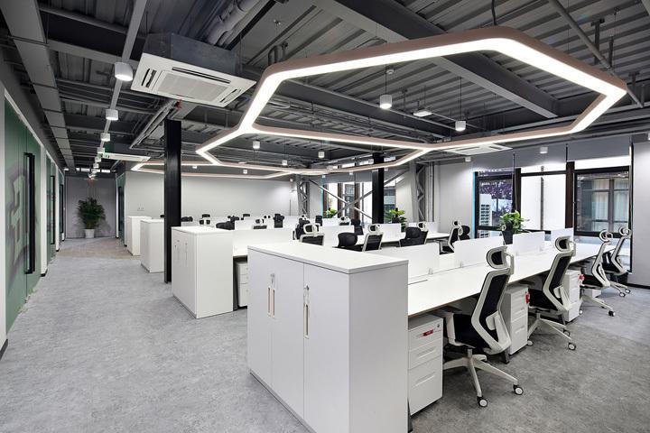 科技感电竞办公室装修案例