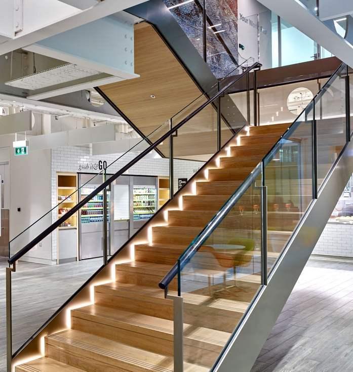 办公室玻璃栏杆楼梯效果图