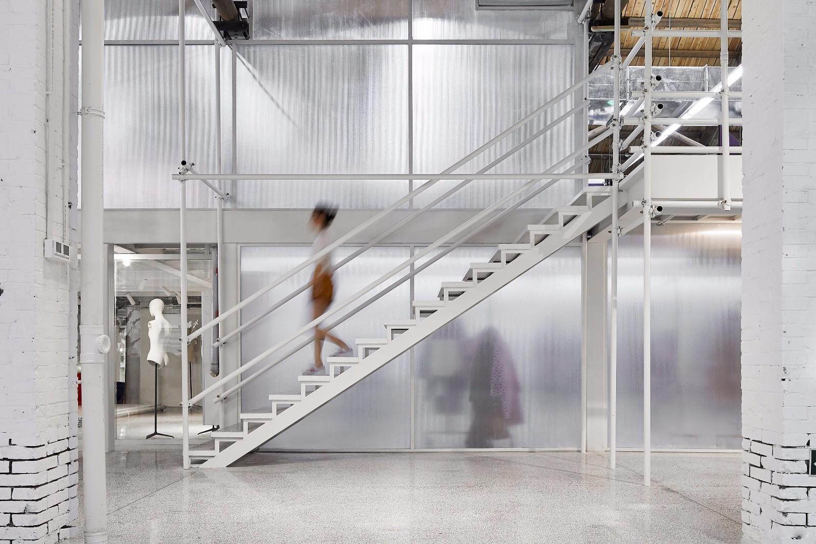 重庆办公室楼梯效果图赏析