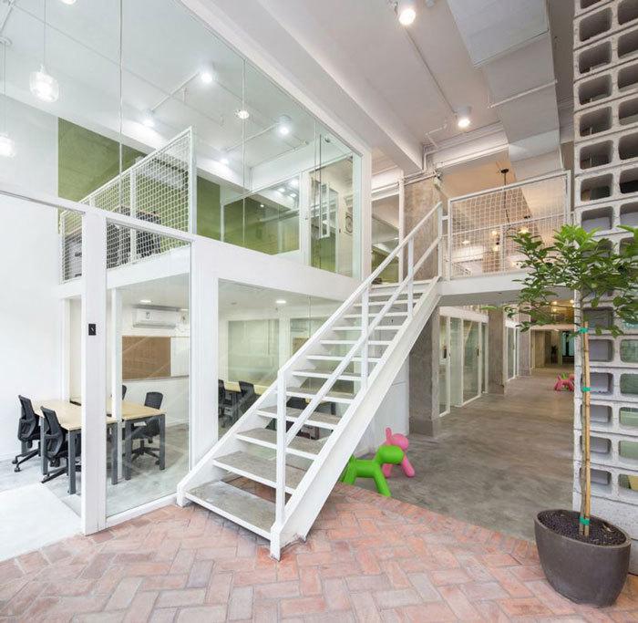 重庆工装公司办公室装修楼梯效果图集赏析